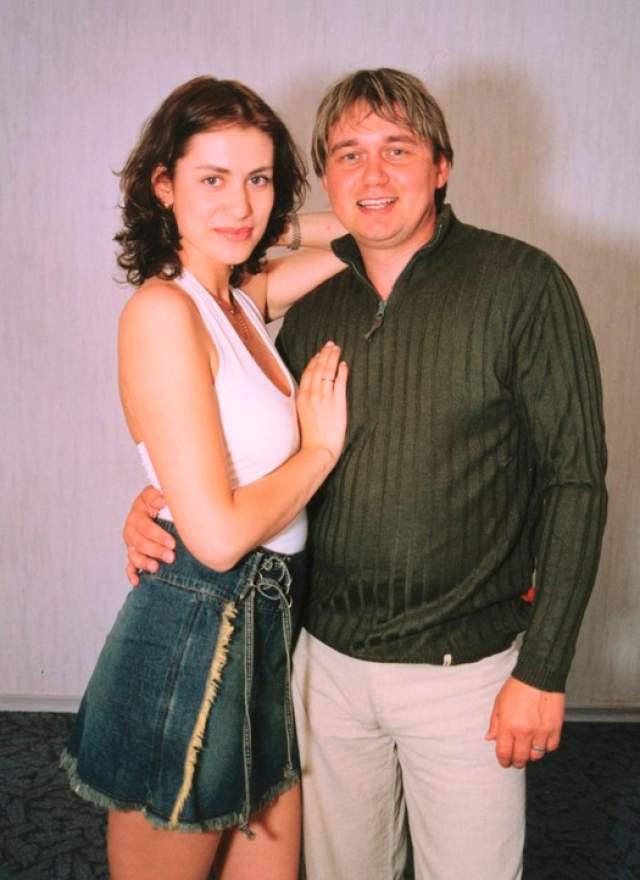 Анна Ковальчук. Актриса нашла свое счастье в лице бизнесмена Олега Капустина, супругой которого стала 1 декабря 2007 года.