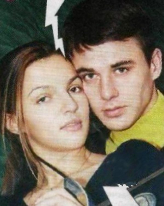 Пара распалась как раз из-за нового увлечения Ирины. Игорь страдал недолго и совсем скоро после расставания с Леоновой закрутил роман с актрисой Екатериной Климовой, которая стала его женой и матерью его детей.