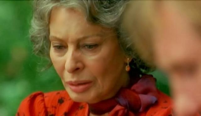 """В 2002 году она снялась в фильме своего сына Эдуардо Понти — """"Только между нами"""", исполнив одну из главных женских ролей. В 2014 году ювелирная компания Damiani выпустила коллекцию украшений """"Sophia Loren"""" - актриса стала лицом коллекции и приняла участие в фотосессии и промотуре коллекции."""