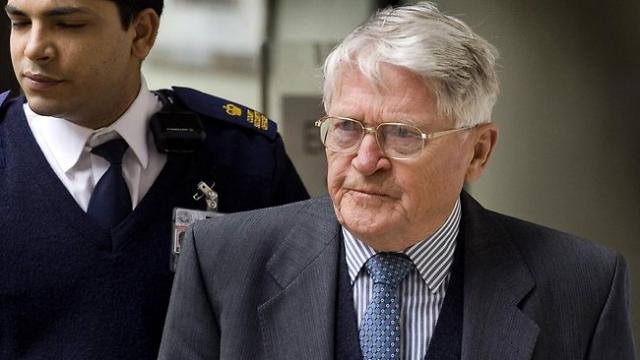 В 2004 году власти Венгрии выдали международный ордер на арест Зентая и добиваются его экстрадиции из Австралии, против которой он подал апелляцию. Суд вынес вердикт в его пользу.
