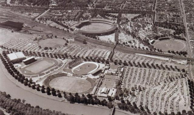 Мельбурн-1956. Первые и последние в истории Олимпийские игры, на которых некоторые медали были разыграны еще до официальной церемонии открытия и вообще в другой стране.