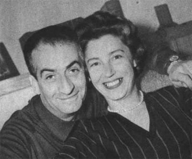 Они поженились 22 сентября 1943 года. Девушка получила блестящее образование, но даже понятия не имела, как приготовить суп. Де Фюнес с самого начала понял, что ответственность за счастье возлюбленной лежит только на нем.