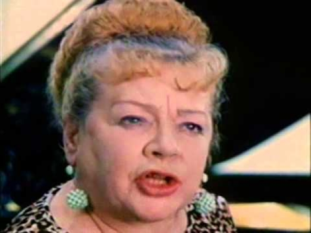 Убийство до сих пор не раскрыто. Среди предполагаемых мотивов убийства знаменитой советской актрисы рассматривали ее причастность к секретным операциям КГБ, ходили, также слухи о причастности КГБ к убийству.