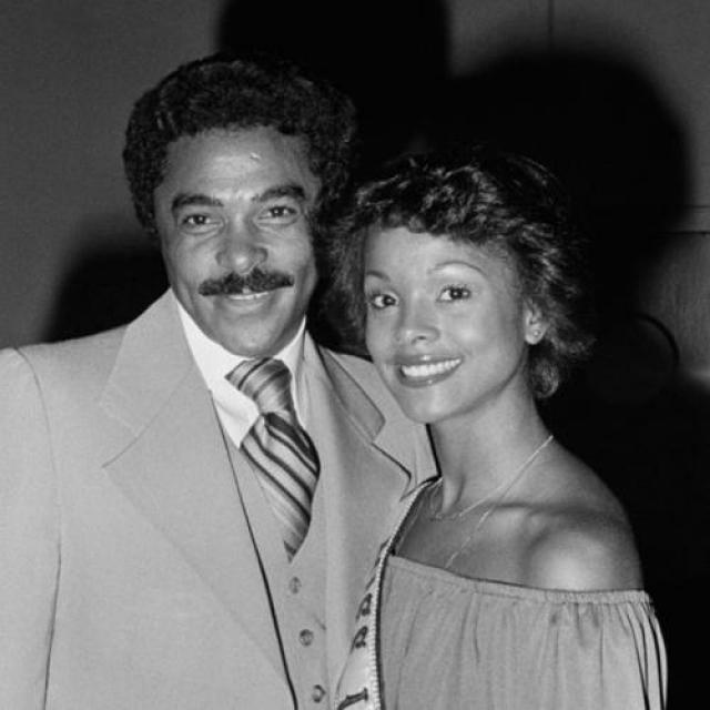 Джанель Комиссионг, Тринидад и Тобаго. «Мисс Вселенная — 1977». 24 года, рост 179 см, параметры фигуры 89−59,5−92.