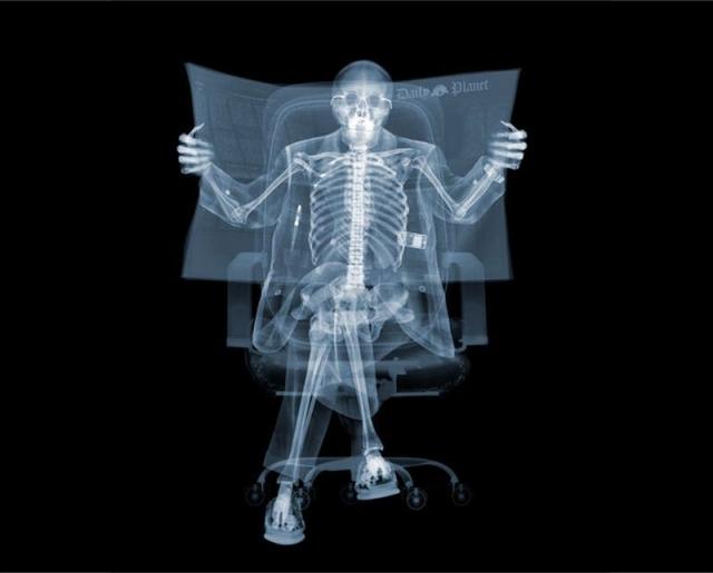 Британский фотограф Ник Визи создает произведения искусства с помощью рентгеновских лучей.