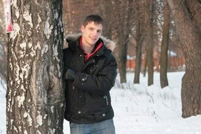 Внезапная кончина молодого и уже известного актера шокировала поклонников. Лыкшин умер во сне октябрьской ночью 2009 года. Он вернулся со съемок уставший и лег спать. Жена с дочерью гостила у родителей. Мертвого Василия обнаружили соседи по бараку.
