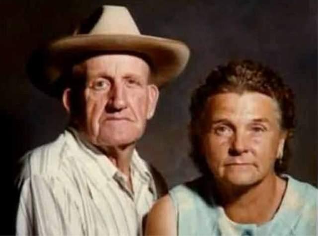 Их арестовали, когда кто-то нашел человеческие останки на их заднем дворе. Поначалу Фэй отрицала, что знала об убийствах, но ее алиби не сработало. Их обоих приговорили к смерти, но позже Фэй изменили меру наказания до пожизненного. Рэя казнили в 1993-м, Фэй скончалась в 2003 году.