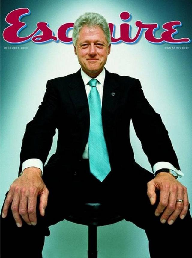 Esquire, декабрь 2000. Улыбающийся Билл Клинтон в последние дни своего президентства сфотографирован в позе, отсылающей к знаменитой статуе Авраама Линкольна.