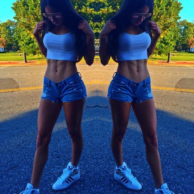 В результате ягодичные мышцы девушки приобрели формы, которые можно назвать совершенными.