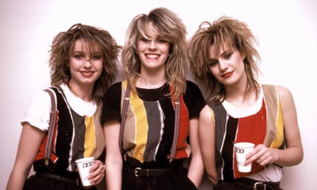 """""""Bananarama"""" - самая успешная британская герл-бэнд в истории поп-музыки, прославившаяся своими мелодичными композициями. Трио было внесено в Книгу Рекордов Гинесса как самая продаваемая девичья группа Великобритании всех времён."""
