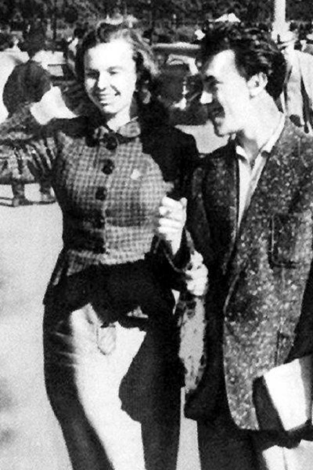 Владимир Высоцкий. Пожалуй, большинству известен лишь его роман с Мариной Влади. Однако, помимо французской актрисы, в его жизни были и другие возлюбленные .