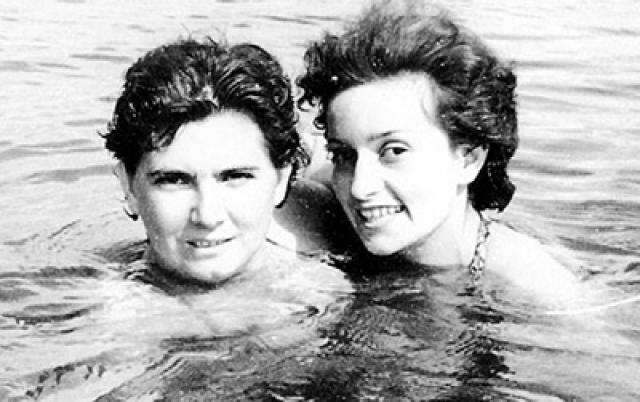 В этот период Лановой пытается вновь создать семью, он женится во второй раз на актрисе Тамаре Зябловой (на фото справа). Их личная жизнь была вполне счастливой, но оборвалась трагически – съемочная группа, в которой была Тамара, попала в автокатастрофу и супруга Ланового погибла.