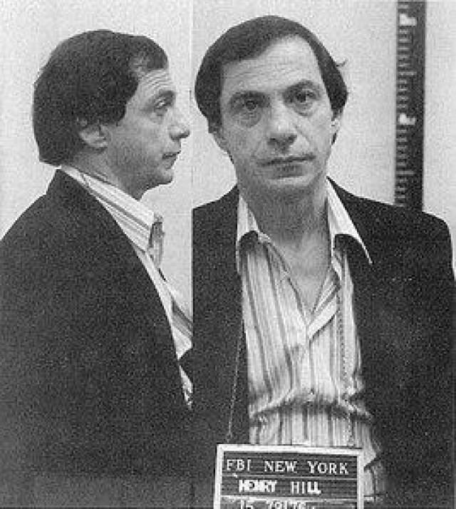 Как-то Хилла арестовали за избиение игрока, отказавшегося платить проигранные деньги, и приговорили к десяти годам тюрьмы. Именно тогда он понял, что образ жизни, который он вел на воле, по сути, аналогичен тому, что за решеткой, и постоянно получал какие-то преференции. После выхода на свободу Хилл серьезно занялся продажей наркотиков, из-за чего его арестовали. Он сдал всю свою банду и низверг несколько очень влиятельных гангстеров. Он попал под федеральную программу защиты свидетелей в 1980 году, но через два года нарушил свое прикрытие, и действие программы прекратилось. Несмотря на это, ему удалось дожить до 69 лет. Хилл умер в 2012 году от проблем с сердцем.
