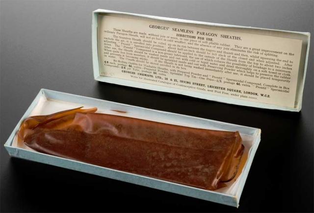 Первый резиновый презерватив был сделан в 1855 году, а к концу 1850-х несколько крупнейших компаний по выпуску резиновых изделий наладили, среди прочего, массовое производство презервативов. Главным преимуществом резиновых презервативов была возможность многократного использования, делавшая их более экономичными.