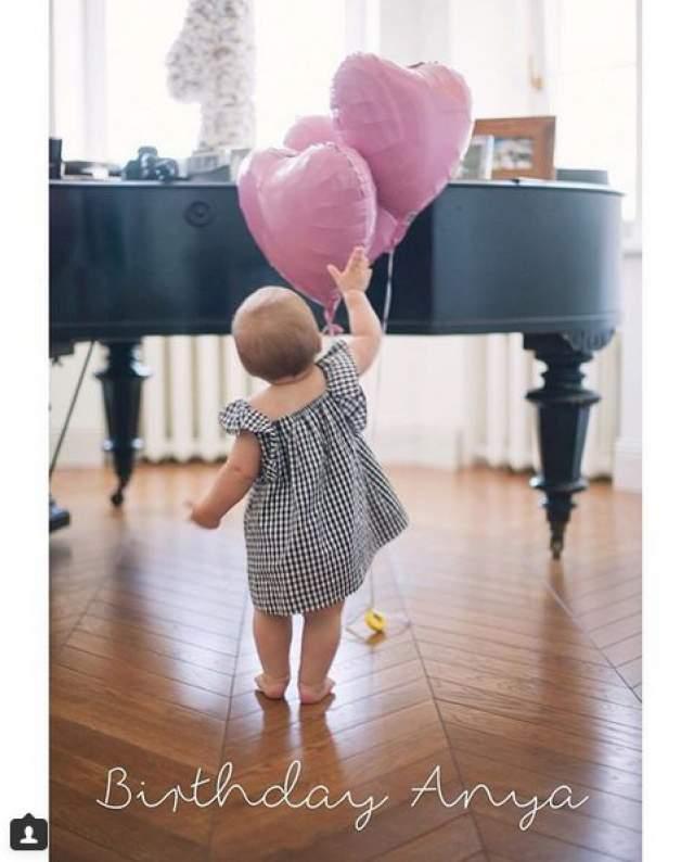 Дмитрий Маликов. Сложно поверить, но певец и музыкант уже дедушка! Внучку ему родила падчерица Ольга Изаксон. Анне Халиловой сейчас почти полтора года.