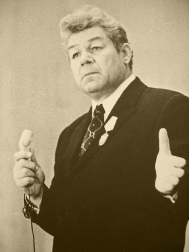 Станислав Чекан. Снимался в кино до 1986 года, а до 1993 играл в Театре-студии киноактера.