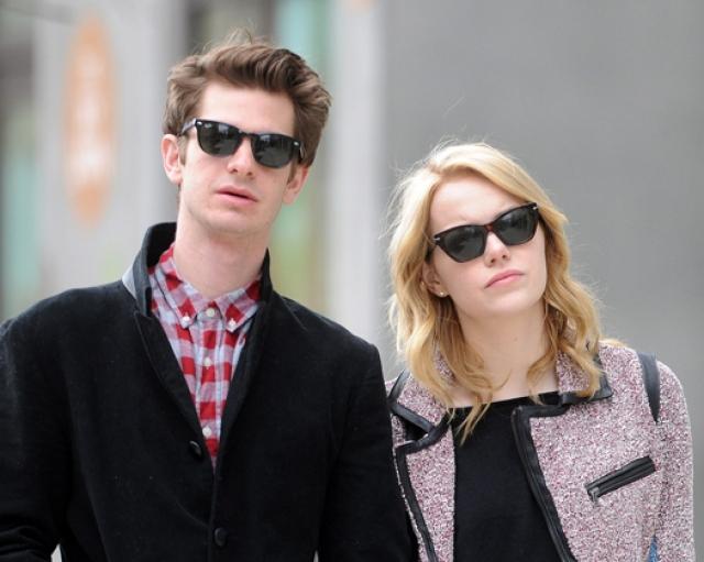 Однако счастью актеров помешали насыщенные графики обоих звезд. Поговаривают, что именно по этой причине Эндрю и Эмма вначале поставили отношения на паузу, а затем подтвердили окончательный разрыв.