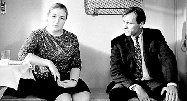 """О своей жизни с актером вспоминает Лидия Федосеева: """"Вася мог две-три недели пить, был агрессивный, буйный. Я выгоняла из дома всех, кого он приводил. На себе его не раз притаскивала. Был даже случай, когда увидела мужа лежащим около дома, а я тогда была беременная. Лифт не работал..."""