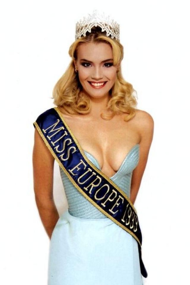 """Уже через два года, в 1999-м, Рогожина подтвердила свое право называться эталоном красоты, став обладательницей титула """"Мисс Европа""""."""