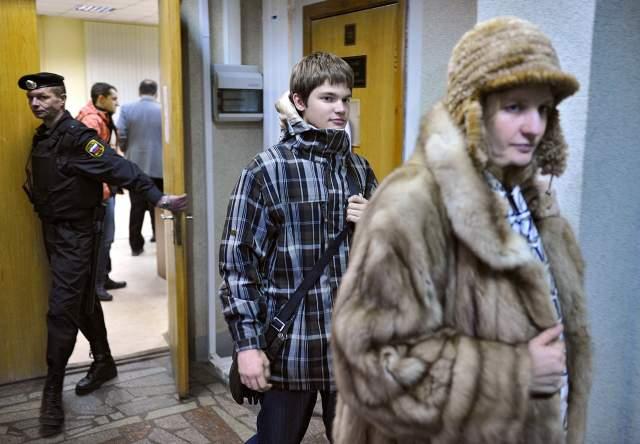 3 июня 2013 года прошел суд. Семен Громов сел на 9 лет, Олег Маюков на 7 лет, старший Савельев ─ на 11 лет, а его сын на 10 лет.Сотрудника спецслужб Алексея Устимчука посадил 94-й гарнизонный военный суд на 4,5 года.