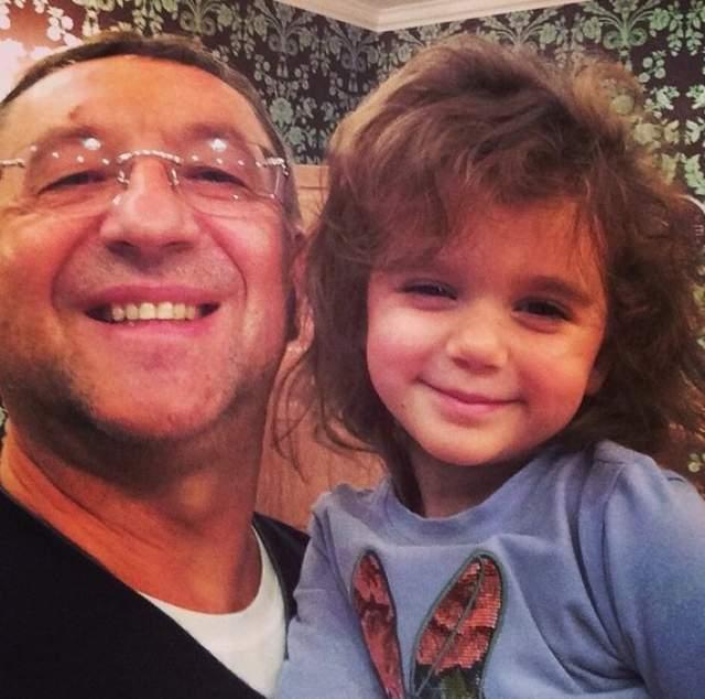 У Сланевской и ее мужа, бизнесмена Анатолия Данилицкого, также есть сын. Но тот больше походит на отца.