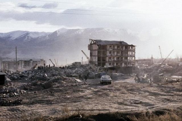 Ни в одном из разрушенных городов до землетрясения не проводилось никаких предупредительных мероприятий. Более того, отсутствовали планы экстренной эвакуации, которая в конечном счете была проведена с помощью иностранных военных.