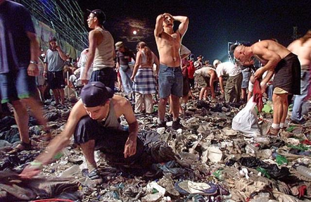 После концерта поступали жалобы о массовых изнасилованиях. Многие были госпитализированы. По разным данным, погибли до трех человек.