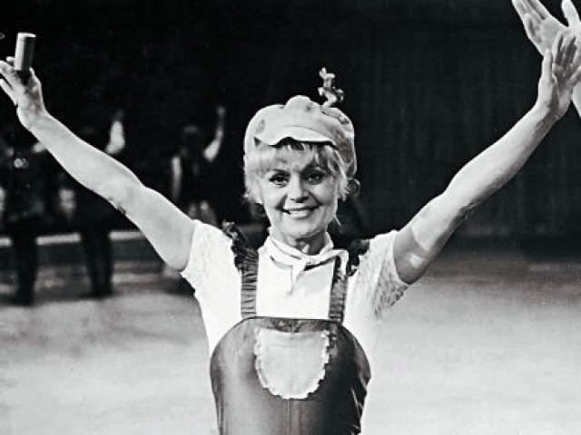 Ирина Асмус, 1941-1986. В 1977 году советская цирковая артистка и клоунесса попала на ТВ в передачу АБВГДейка, где выступала под именем Ириска. Именно эта роль и принесла артистке наибольшую известность в СССР.