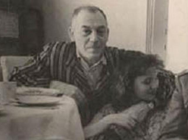 """Василия Сталина приговорили к 8 годам тюрьмы за """"антисоветскую пропаганду"""". В тюрьме тяжело заболел, фактически стал инвалидом. После освобождения ему запретили жить в Москве и Грузии, а также изменили фамилию на """"Джугашвили"""". Скончался Василий 19 марта 1962 года от отравления алкоголем."""