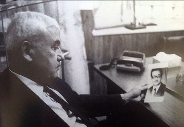 В 1984 г. Карлос дал интервью Набилю Могроби и разрешил ему сделать фотоснимок. Позже он пытался не допустить публикации, но безуспешно. Как только статья была опубликована в Аль-Ватан аль-Араби, у офиса журнала в Париже прогремел взрыв, в результате которого 64 человека было ранено, один был убит.