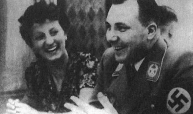В 1963 году бывший почтовый работник Альберт Крумнов сообщил полиции, что 8 мая 1945 года советскими солдатами ему и его коллегам было приказано похоронить два мужских трупа, обнаруженных на железнодорожном мосту близ станции Лертер.