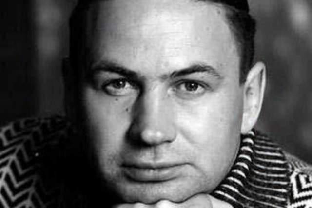 Геннадий Бачинский Талантливый радиоведущий, известный публике 2000-х годов. Его жизнь оборвалась внезапно. Но поклонники до сих пор вспоминают любимого диджея, проекты с участием Бачинского и искрометное чувство юмора, которым обладал артист.