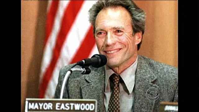 Так, в 1986 году он легко выиграл на выборах мэра небольшого курортного городка Кармел в Калифорнии.