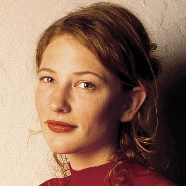 """Кейт Бланшет. 1998 год оказался переломным для 29-летней австралийской театральной актрисы: историческая драма """"Елизавета"""" принесла Бланшет номинацию на """"Оскар""""."""