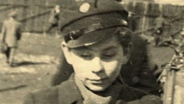 Вторую мировую он пережил в краковском гетто. Мать Полански погибла в газовой камере Освенцима. Его самого нацисты использовали в качестве мишени на тренировочных стрельбах.