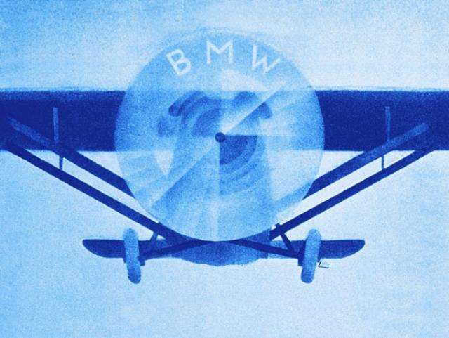 BMW. В 1913 году Карл Фридрих Рапп и Густав Отто основали две отдельные компании по производству самолетов, которые впоследствии слились в одну - Bayerische Motoren Werke (Баварский моторный завод).