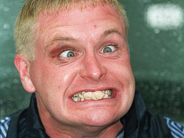 Карьера Гаскойна сопровождалась множеством скандалов на почве алкоголизма. Так, в 1996 году, возвращаясь после товарищеского матча, он поломал кресло и телевизор в самолете.