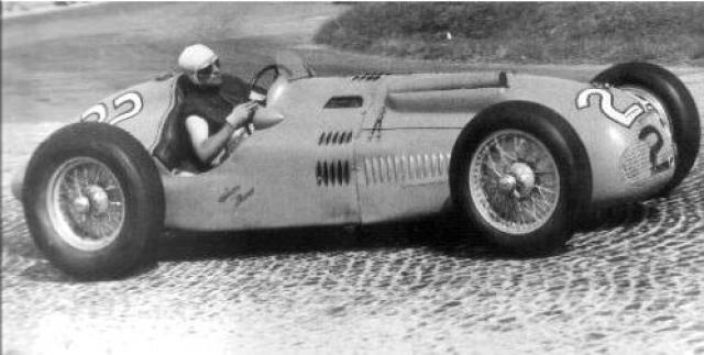 Jaguar Хоторна, на котором стояли новые дисковые тормоза, тормозил гораздо быстрее, чем другие машины, такие как Mercedes Левега, на которых стояли барабанные тормоза.