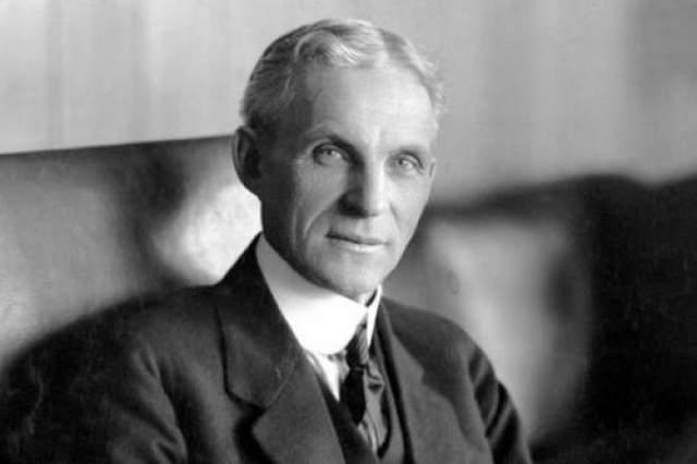 Генри Форд Первая автомобильная компания Генри Форда обанкротилась. Вторую он бросил из-за ссоры с партнерами, а третьей не удалось добиться высоких продаж. Но в итоге он стал одним из величайших американских предпринимателей.