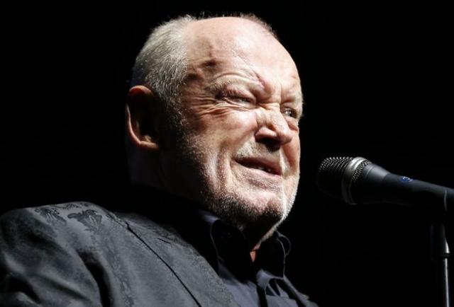 Джо Кокер (70 лет). Последние годы выдающийся блюзовый певец много болел. В сентябре 2014 года Билли Джоэл со сцены сообщил, что состояние здоровья Кокера неудовлетворительное.