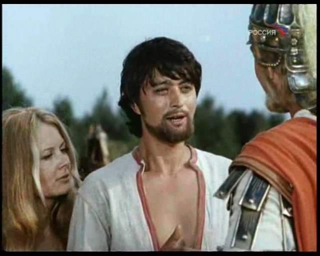 За всю жизнь он не получил ни одной главной роли, но зритель всегда запоминал даже эпизодических героев, если их играл Ахметов.