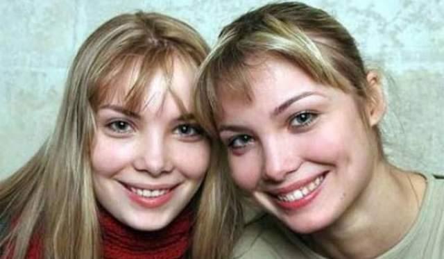 В конце 90-х сестры приехали из Калининграда поступать в театральное. Во многих институтах девушкам отказали, посчитав, что близнецы миру кино неинтересны. Приняли Ольгу и Татьяну лишь в Щепкинском училище, причем с первого раза, и их тут же засыпали предложениями о съемках.
