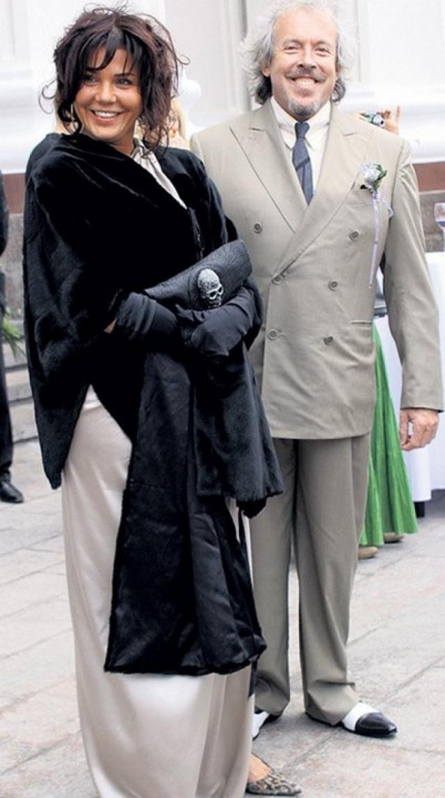 Третья жена - Наталья Голубь, гример, стилист, фотохудожник, на которой он официально женился 31 декабря 2003 года. Брак продлился семь лет.