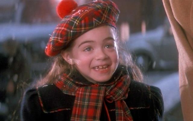 """Эмбер Скотт , сыгравшая в фильме """"Капитан Крюк"""" также была скорее миленькой, нежели красивой."""