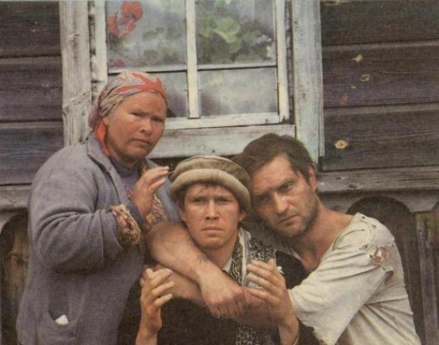 С конца 90-х неоднократно снимался в голливудских фильмах, куда приглашался, обычно, на второстепенные или эпизодические роли российских офицеров.