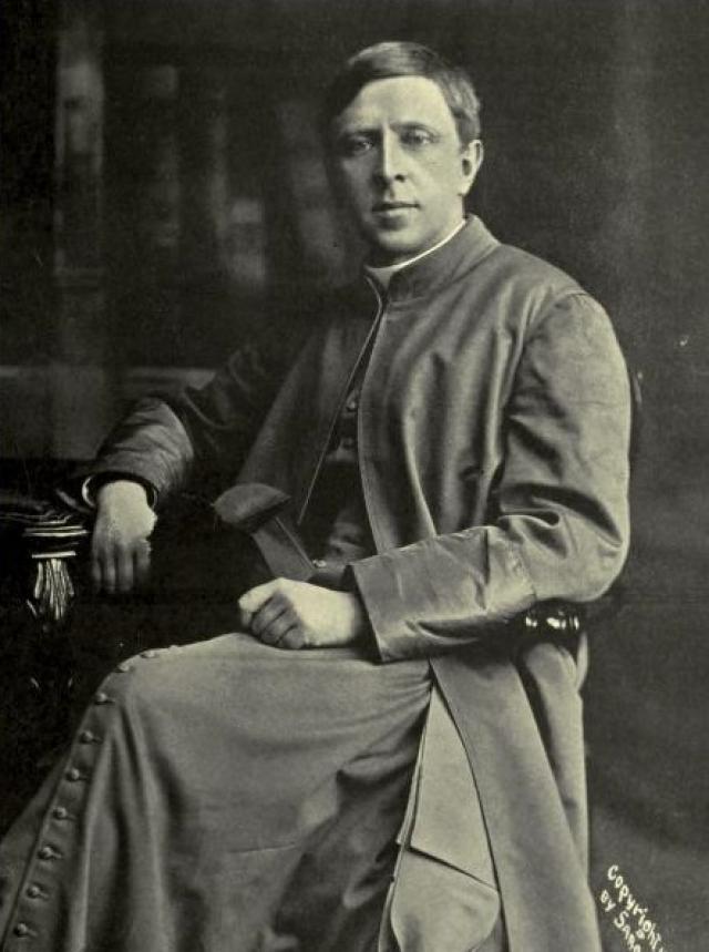 """Английский эссеист А.Бенсон под впечатлением одного из своих снов написал поэму """"Феникс""""."""