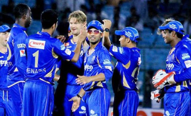 Этого оказалось мало и он также подарил ей команду по крикету – Раджастан Роялс.