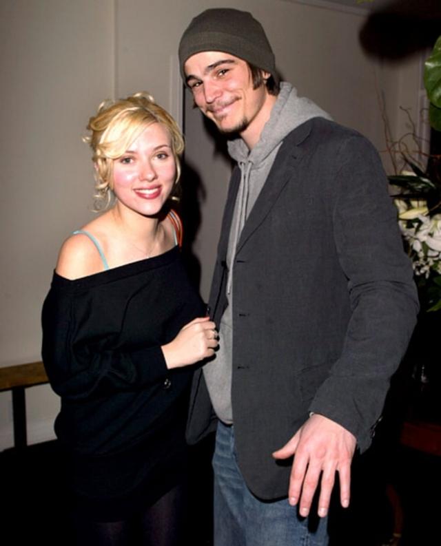 """Следующим в любовном списке звезды стал актер Джош Хартнетт, роман с которым вспыхнул в 2006 году во время съемок в мистическом фильме """"Черная орхидея"""". Актеры пробыли вместе около года."""