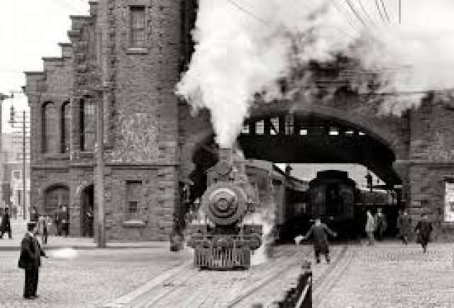 Поезд дьявола, или поезд-призрак. Поезд этот видят периодически в каждой стране мира. Он представляет собой паровоз, возникший из ниоткуда и исчезнувший в никуда. Дьявольский состав является предвестником беды: это может быть взрыв, землетрясение или крупное крушение самолета или корабля.