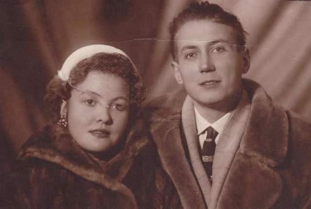 """Белла Ахмадулина, 1937-2010. Как рассказывала сама поэтесса, она вышла за поэта Евгения Евтушенко """"совсем молодой и глупой"""", и тут такая радость: у них будет ребенок. Но муж не позволил ему родиться."""